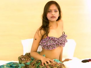 Indian Divya Is Getting Naked And Touching Her Puss Teen Video