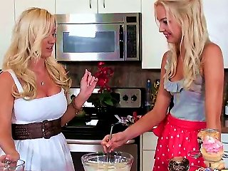Its Hard To Explain Why Franziska Facella And Molly Cavalli Prefer To Cook Together Naked But We Love It! Come Have A Look At Franziskas Little Tittie Teen Video