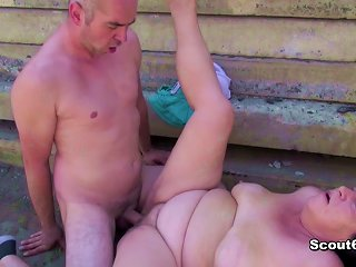 Grandma Seduce To Fuck Outdoor By Young Stranger Boy Teen Video
