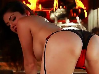 Definitely Worth To See This Call Girl To Show Your Friends How Naughty That Keister Is Without Swimsuit. Her Name Is Sunny Leone And She Is Showing U Teen Video