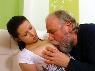 Young  Getting  Fucked Teen Video