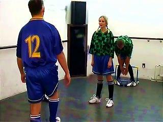 Cheerleaders Sucking And Fucking In A Locker Room Teen Video