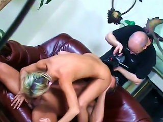 Marvelous Teen With Nice Ass Fingering Her Pussy In Reality Shoot Backstage Teen Video